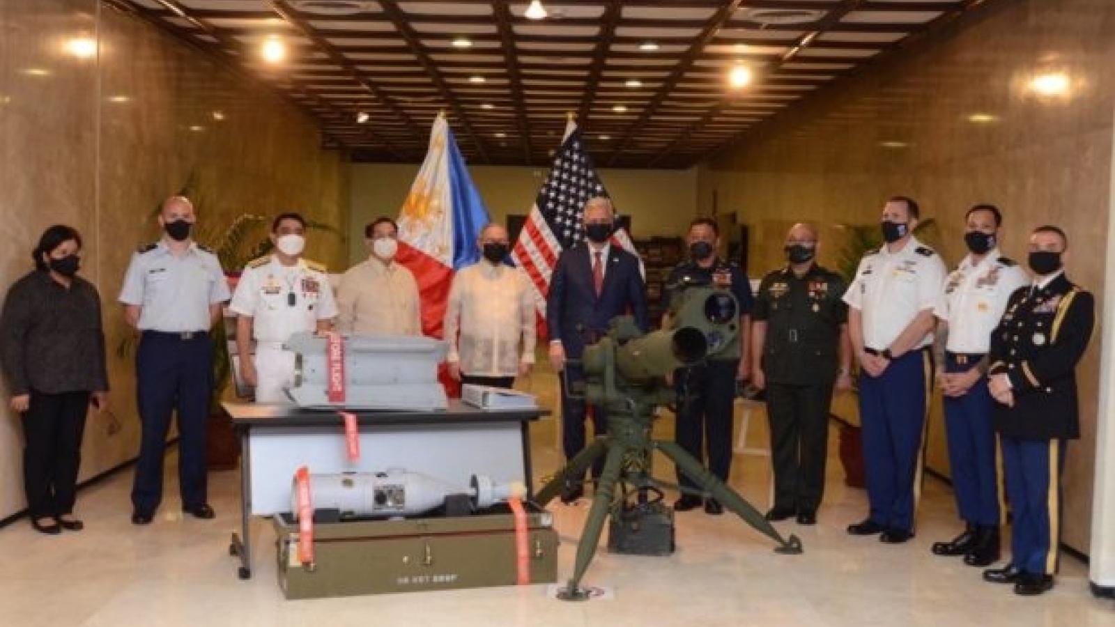 Mỹ ủng hộ Philippines ở Biển Đôngvà tài trợ cho Philippines vũ khí chống khủng bố