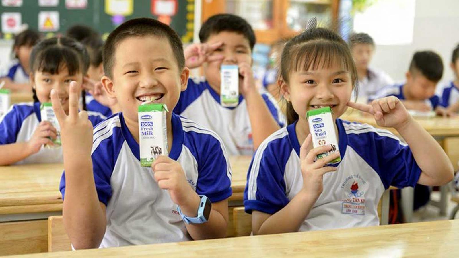 Năm 2020, sữa học đường mở rộng đến 24 quận, huyện ở TP HCM