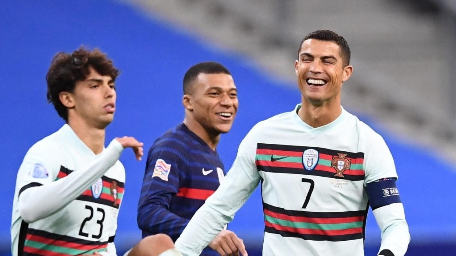 Bồ Đào Nha - Pháp: Ronaldo gieo sầu cho Gà trống Gaulois?