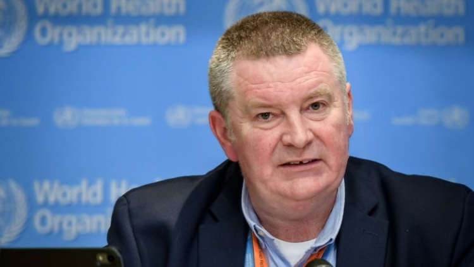 WHO: Vaccine chưa thể kịp ngăn làn sóng Covid-19 thứ hai