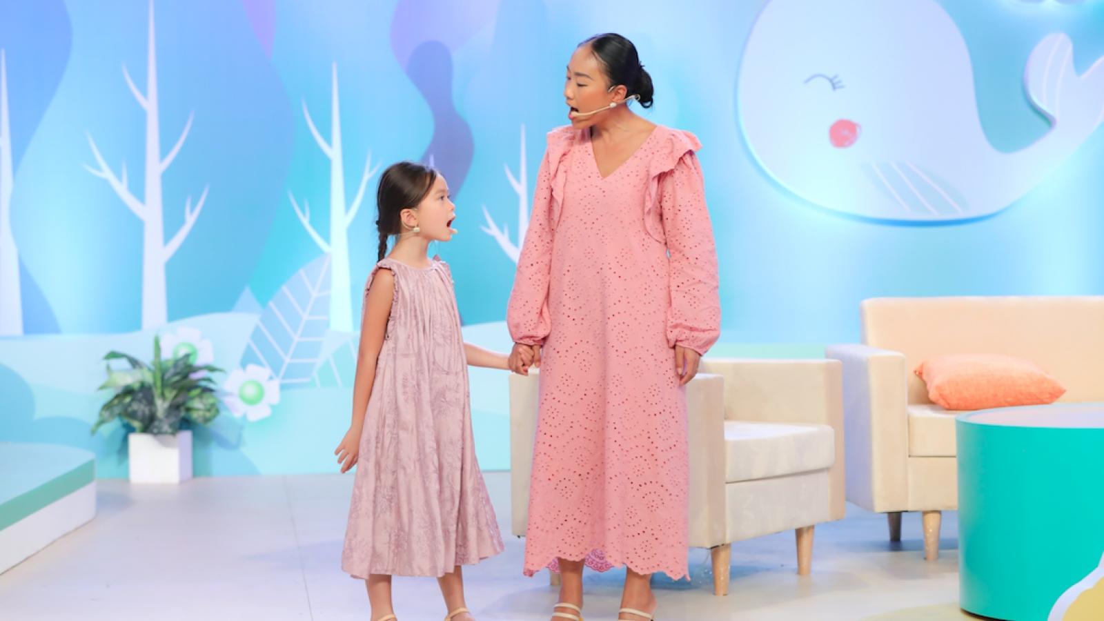 Đoan Trang song ca ngọt ngào cùng con gái