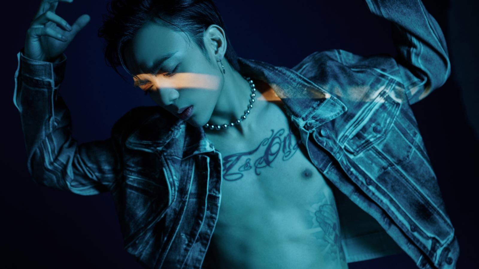 """Soobin tung MV """"Trò chơi"""" nóng bỏng với dàn mẫu chân dài trong"""