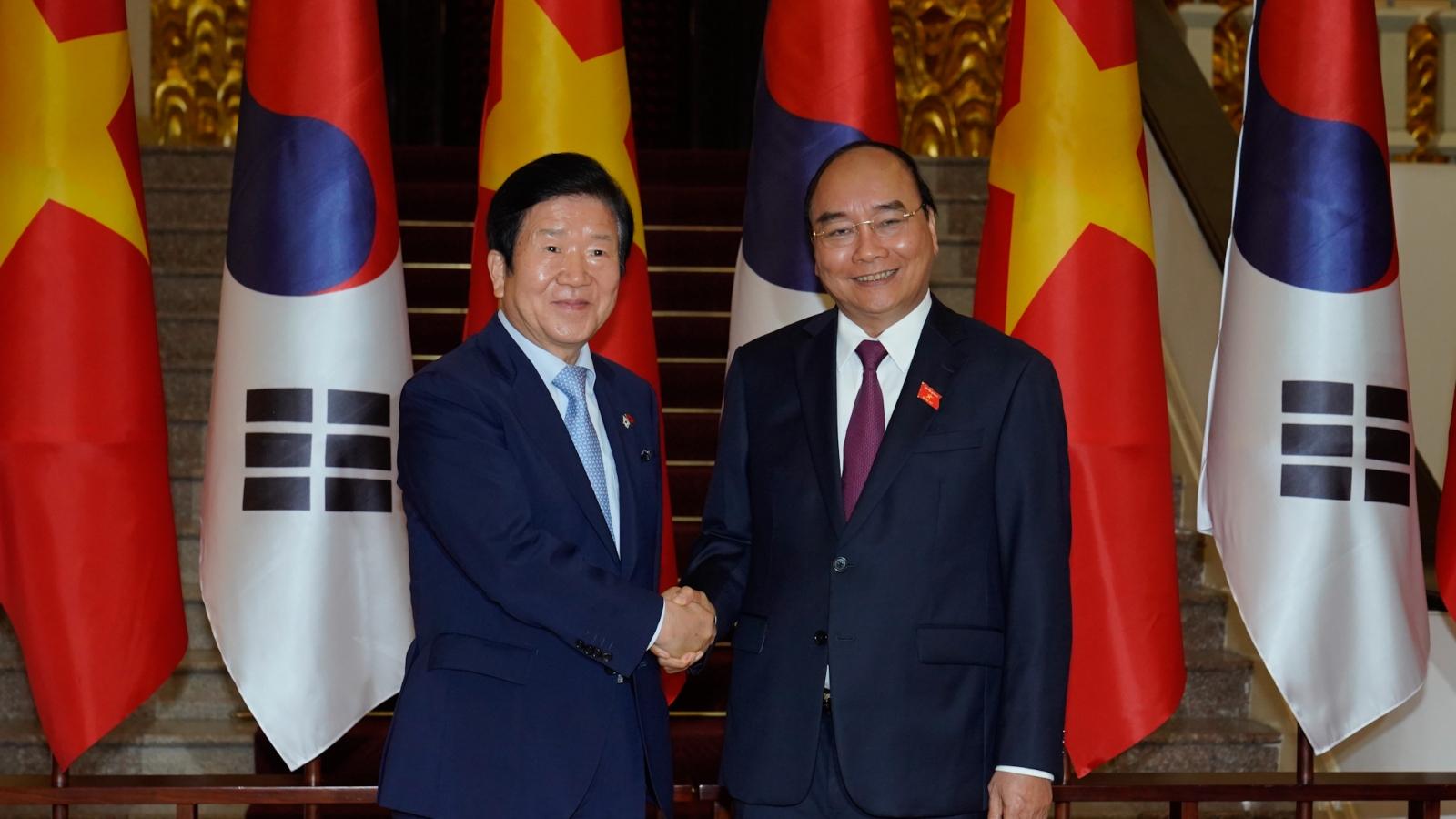 Thủ tướng: Việt Nam-Hàn Quốc phấn đấu sớm đạt kim ngạch thương mại 100 tỷ USD