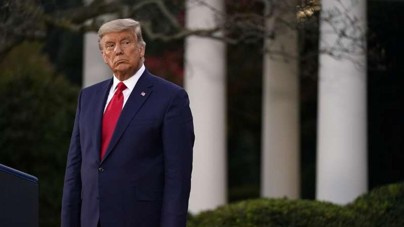 """Tổng thống Trump """"phá vỡ im lặng"""", ngầm thừa nhận chính quyền """"tiếp theo"""""""