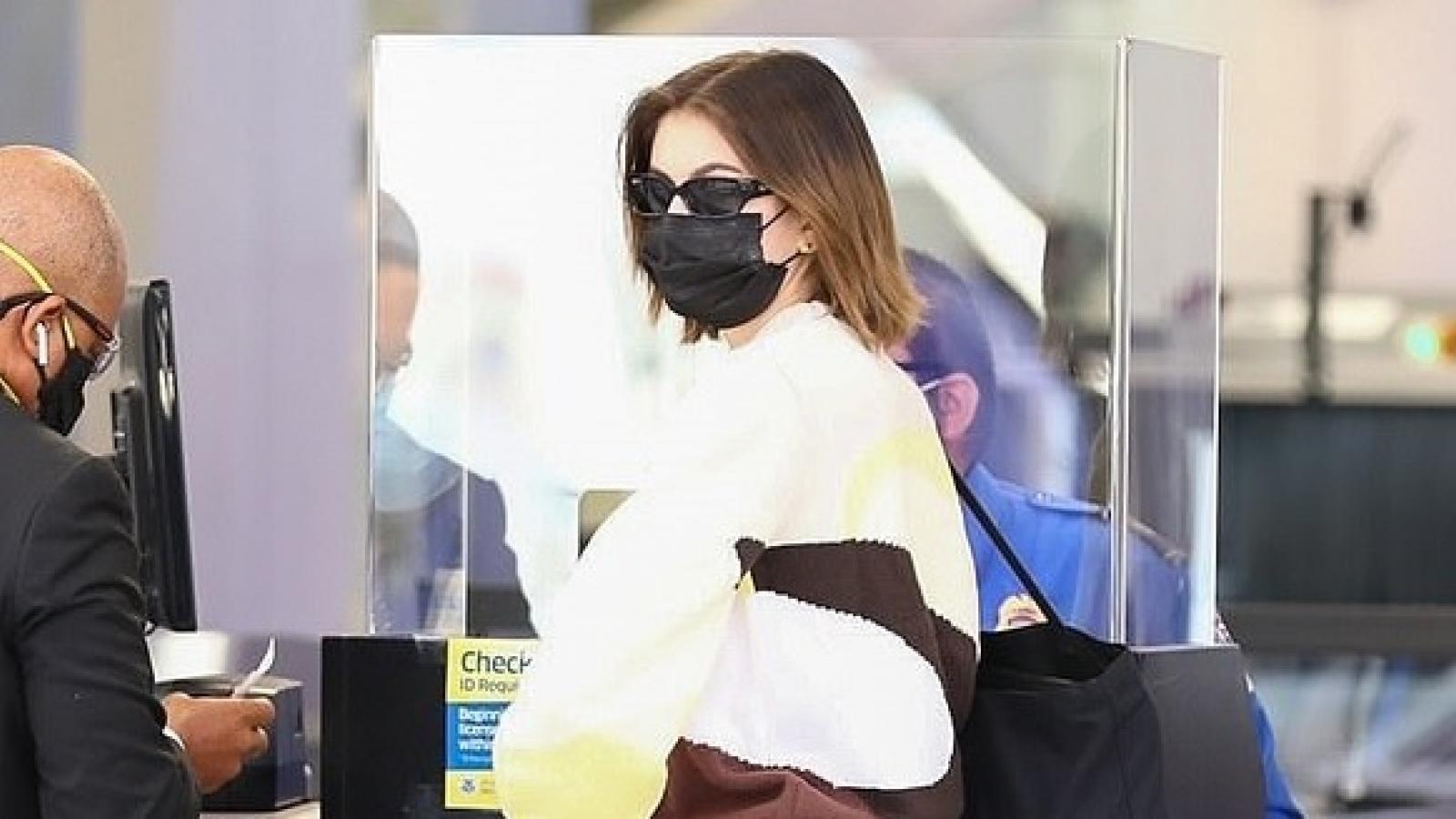Con gái Cindy Crawford giản dị xuất hiện ở sân bay
