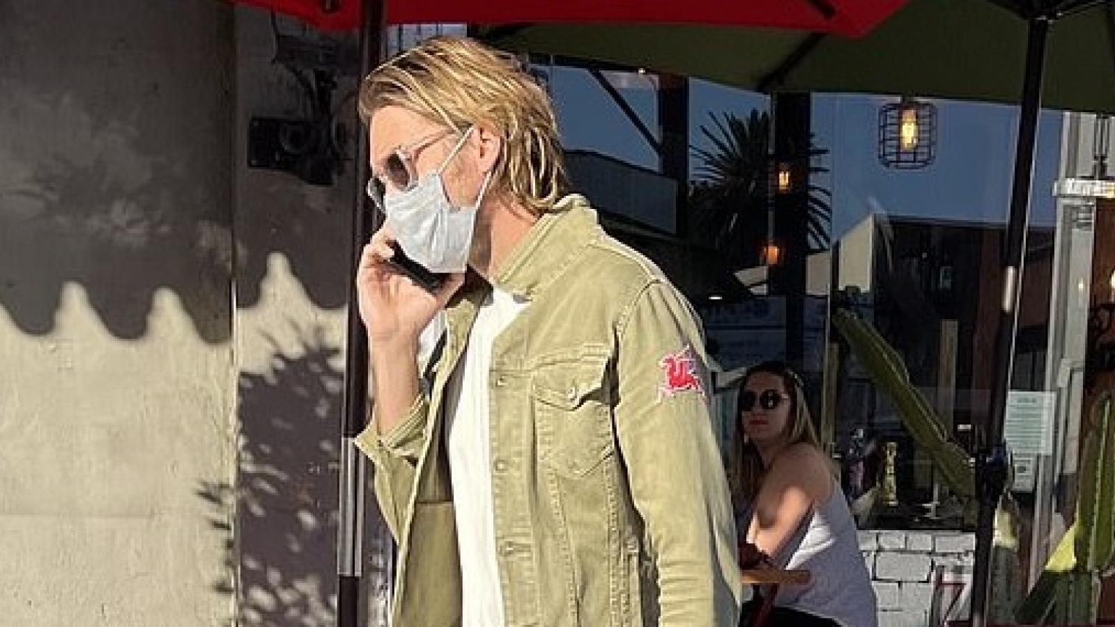 Brad Pitt căng thẳng ra phố sau cuộc chiến giành quyền nuôi con với Angelina Jolie