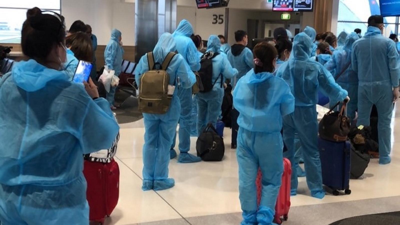 Đưa gần 360 công dân Việt Nam từ Nhật Bản về nước