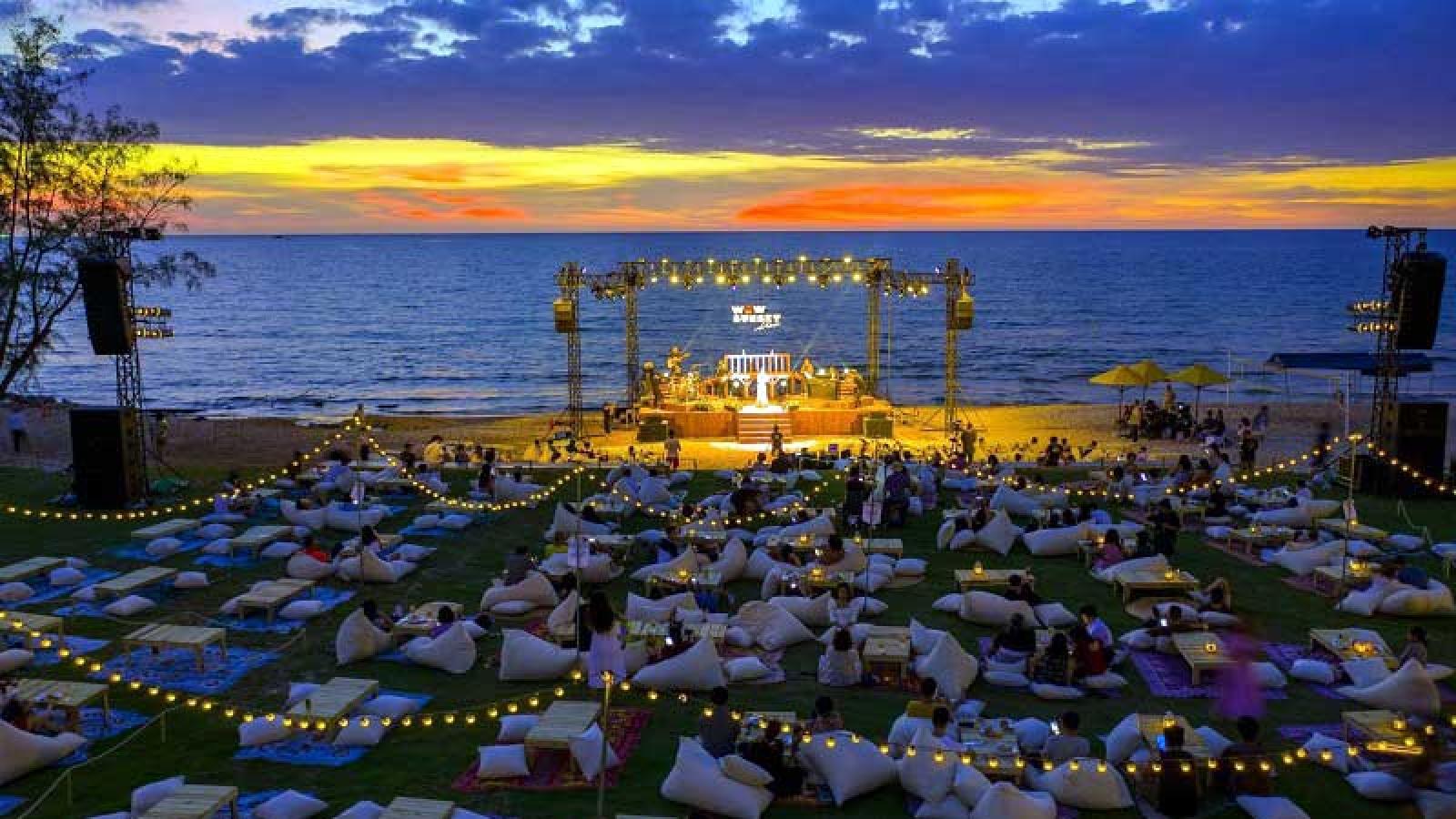 Bữa tiệc âm nhạc đón hoàng hôn WOW Sunset Show