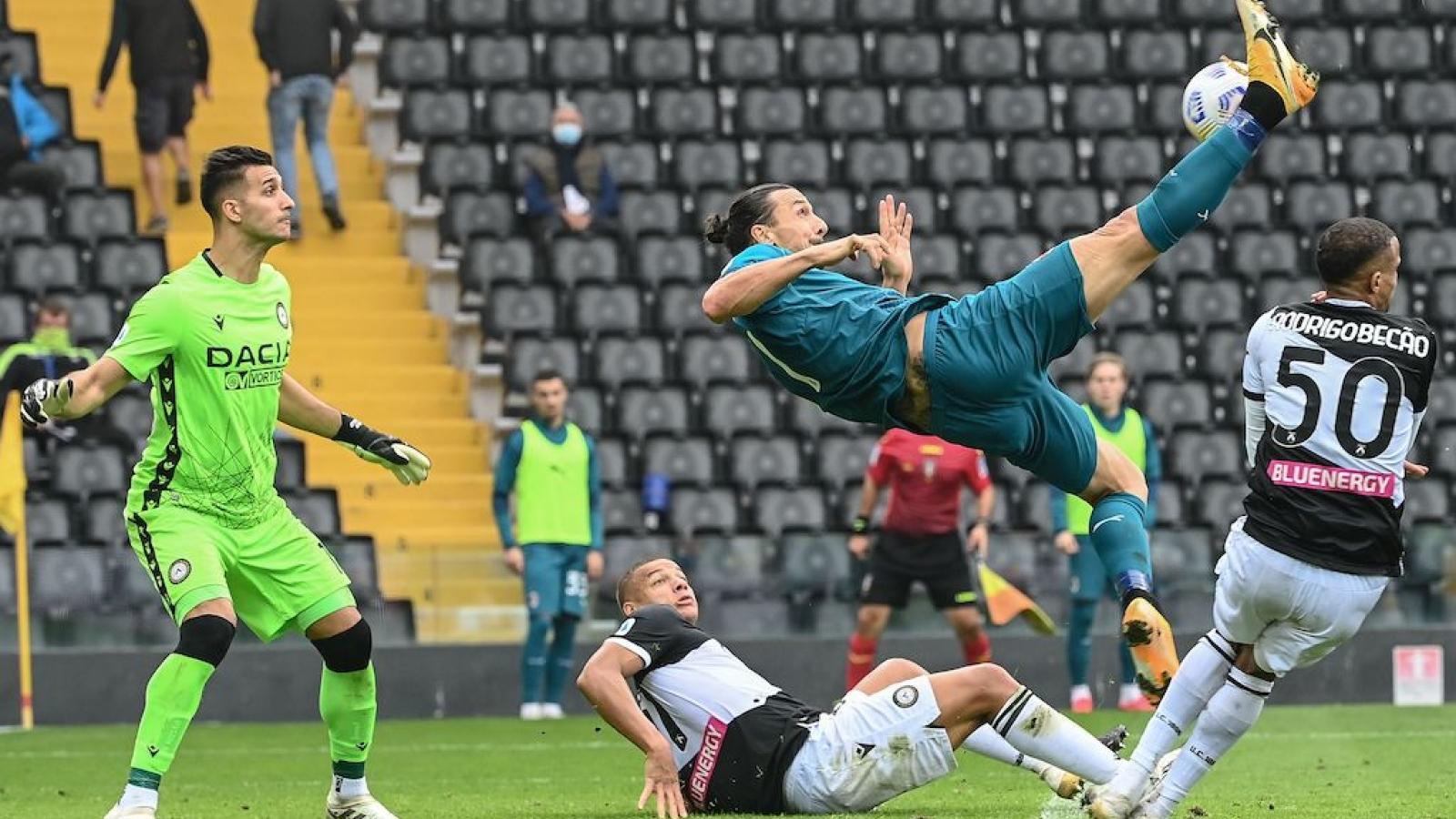 Ibrahimovic vừa ghi bàn vừa kiến tạo, AC Milan giữ vững ngôi đầu Serie A