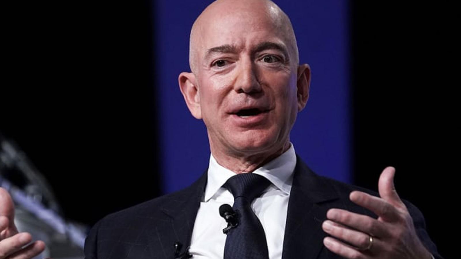 Ông chủ Jeff Bezos bán hơn 3 tỷ USD cổ phiếu Amazon