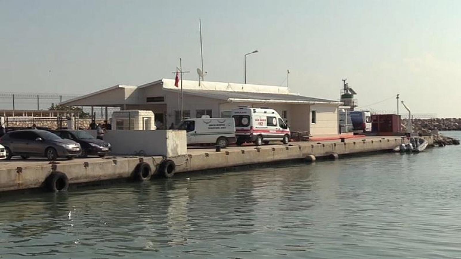 4 người thiệt mạng trong vụ va chạm giữa tàu chở dầu Hy Lạp và tàu đánh cá Thổ Nhĩ Kỳ