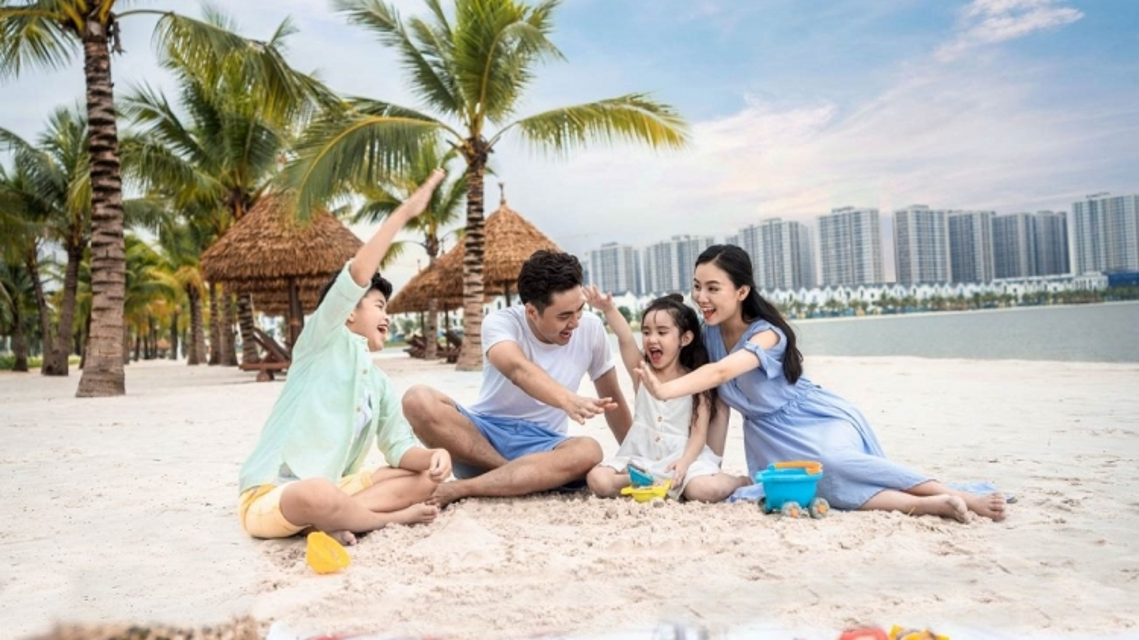 """Vợ chồng trẻ rời """"phố cũ"""" về """"thành phố mới"""" phía Đông Hà Nội tận hưởng cuộc sống"""