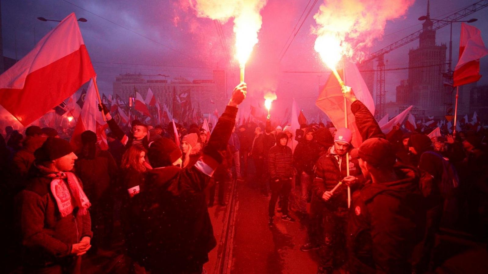 Hàng nghìn người biểu tình trong dịp Quốc khánh Ba Lan