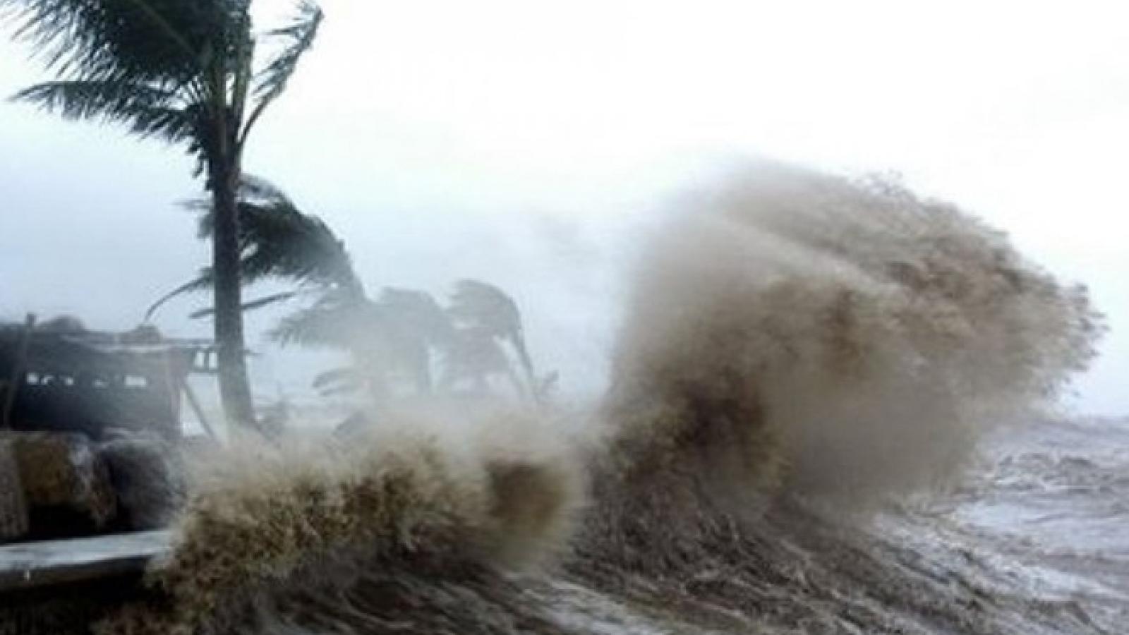 Áp thấp nhiệt đới có khả năng mạnh lên thành bão giữa Biển Đông