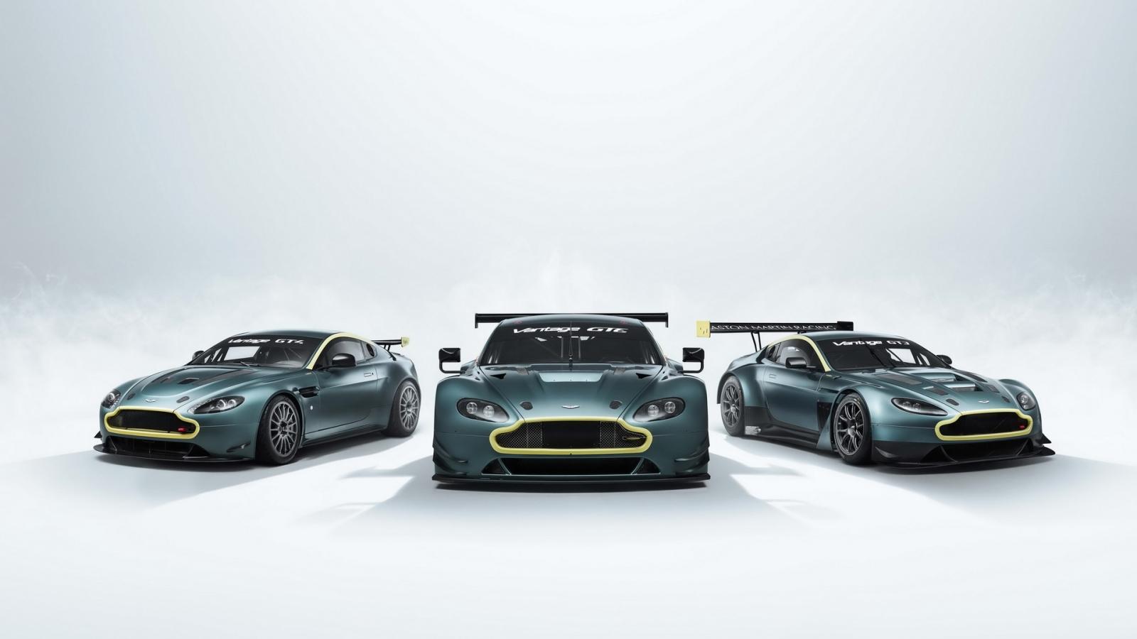 Aston Martin ra mắt bộ sưu tập ba chiếc Vantage bản đua
