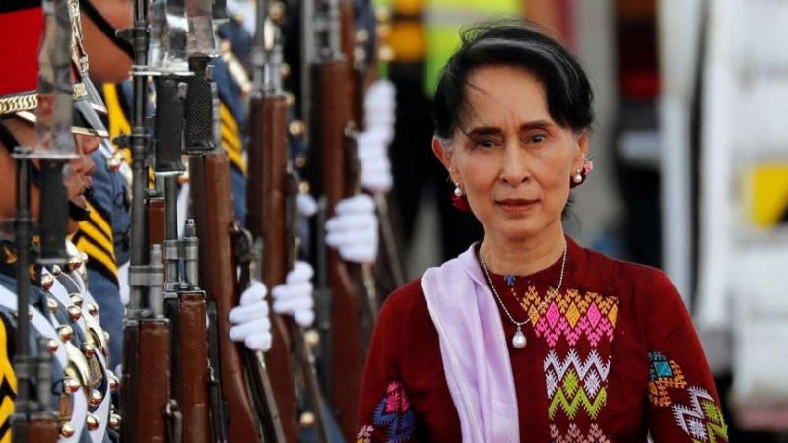 Đảng của bà Aung San Suu Kyi tuyên bố thắng lợi ở cuộc bầu cử Myanmar