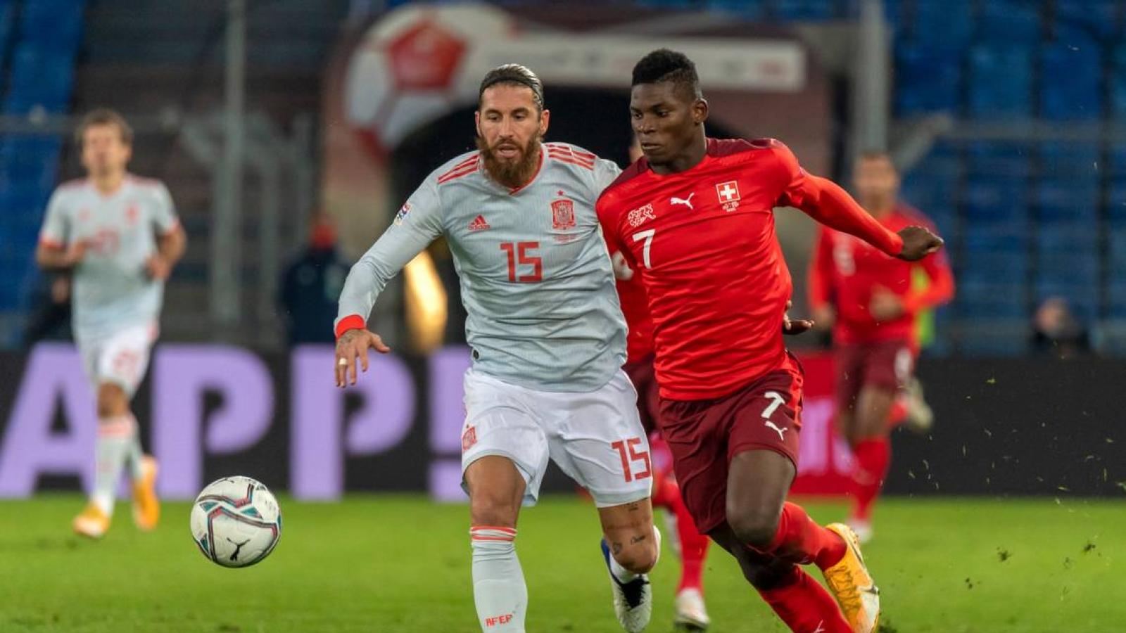 Ramos 2 lần đá hỏng phạt đền, Tây Ban Nha bị Thụy Sĩ cầm chân