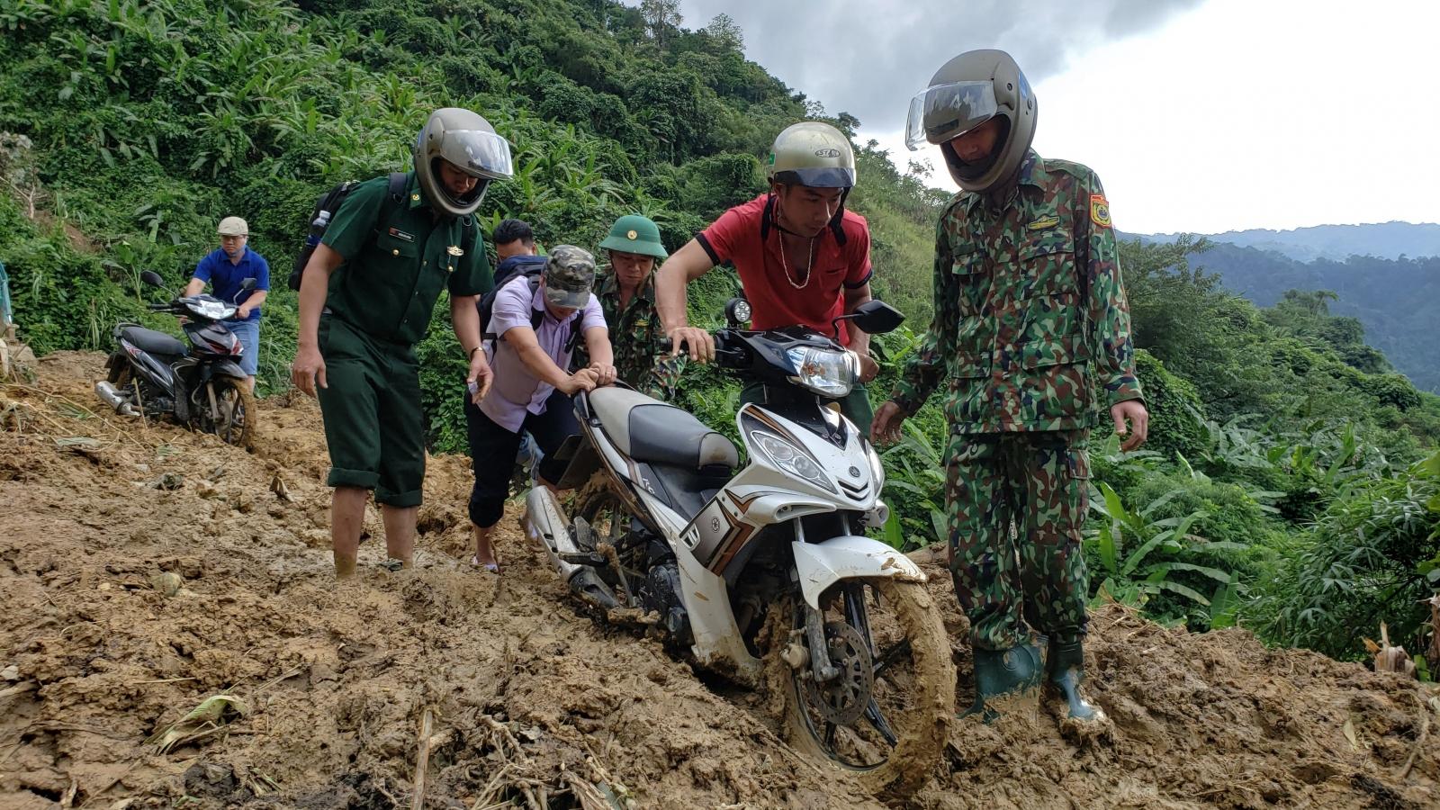 Bộ đội Biên phòng Quảng Nam căng mình giúp dân vùng sạt lở