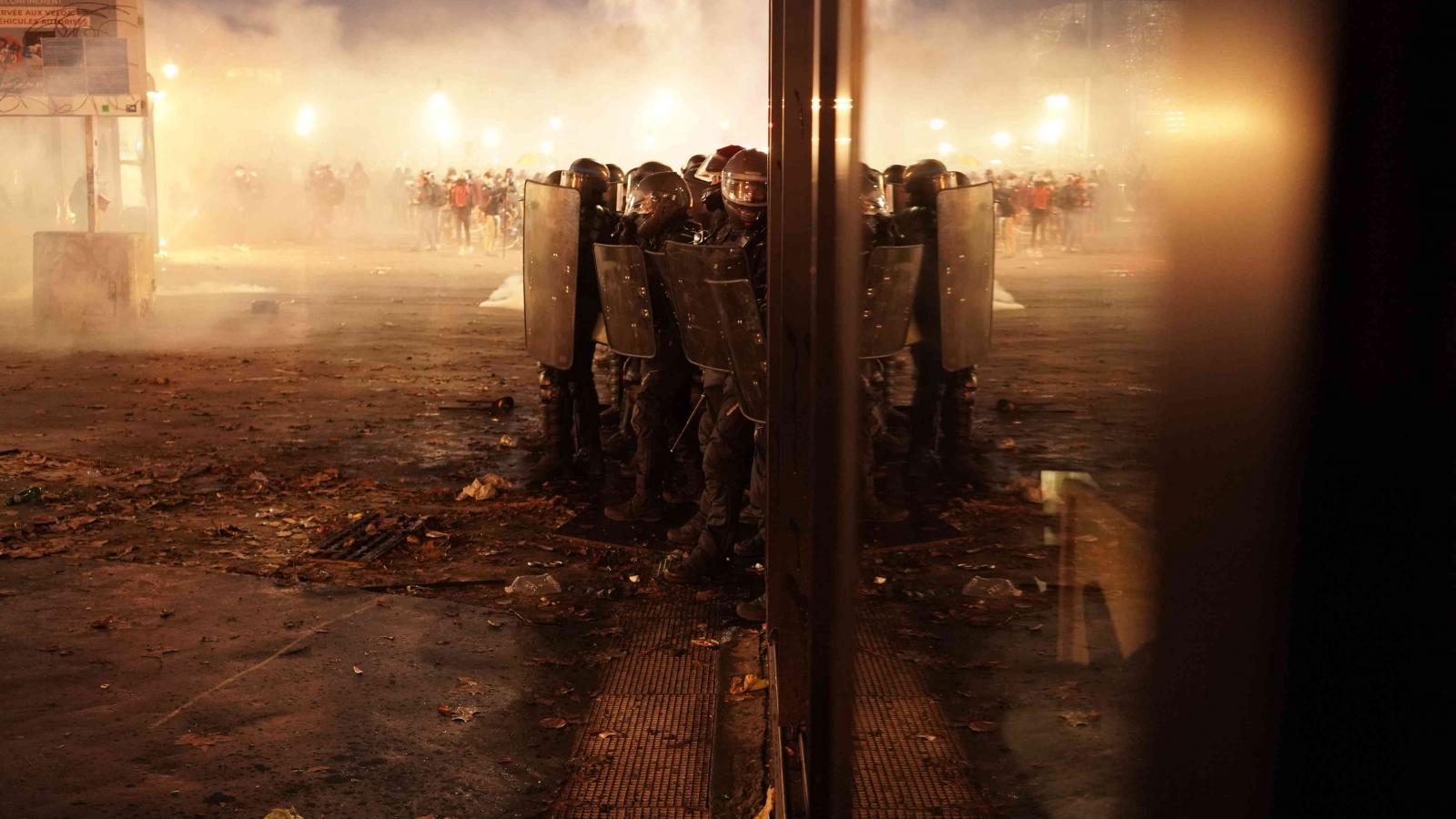 Bất chấp phong tỏa, hàng trăm nghìn người Pháp biểu tình phản đối dự luật an ninh