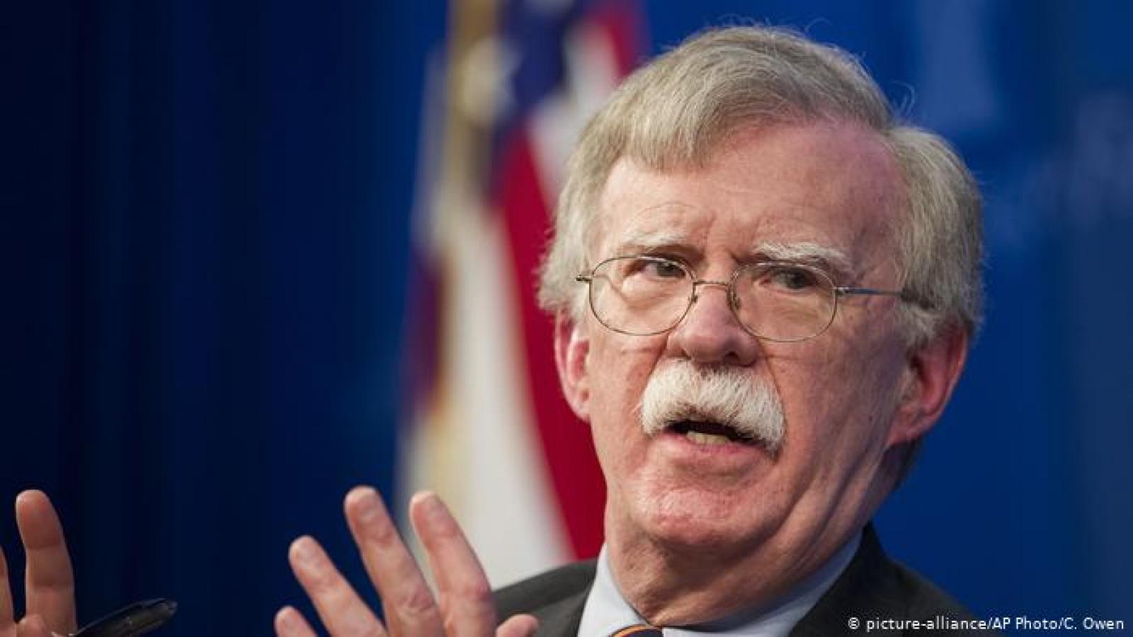 Cựu cố vấn An ninh Quốc gia Mỹ: Trump đang ném đá qua cửa sổ