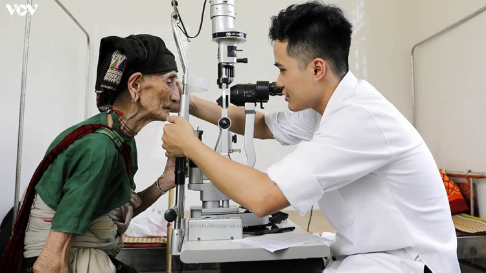 Bệnh viện C Đà Nẵng khám chữa bệnh miễn phí cho hàng ngàn đồng bào Bhnong