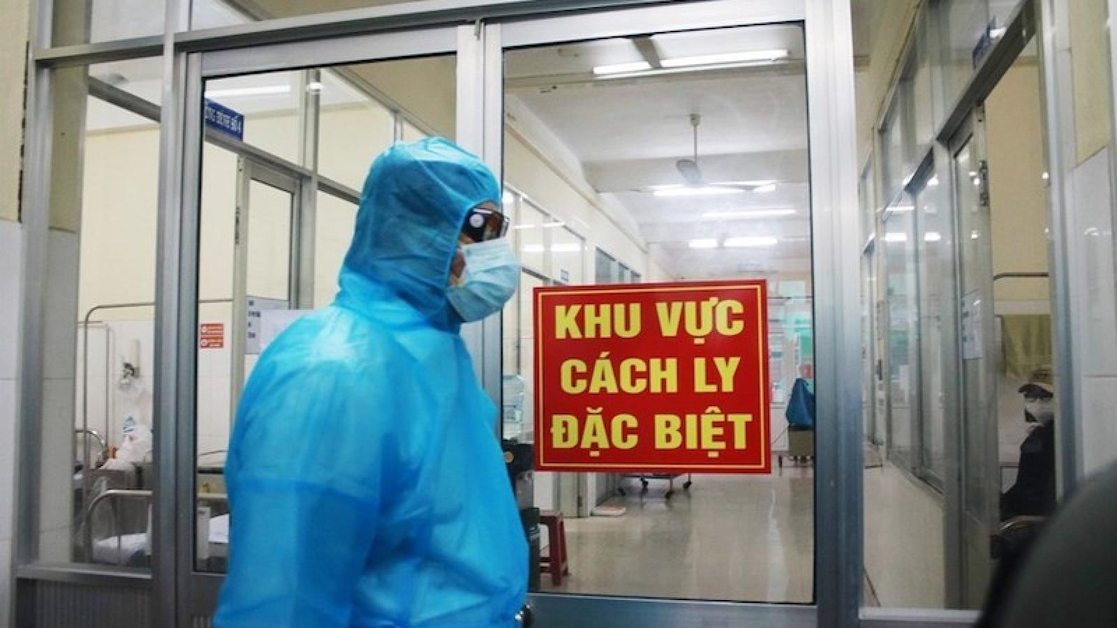 TPHCM có ca dương tính lây nhiễm từ người cách ly, Bộ Y tế họp khẩn