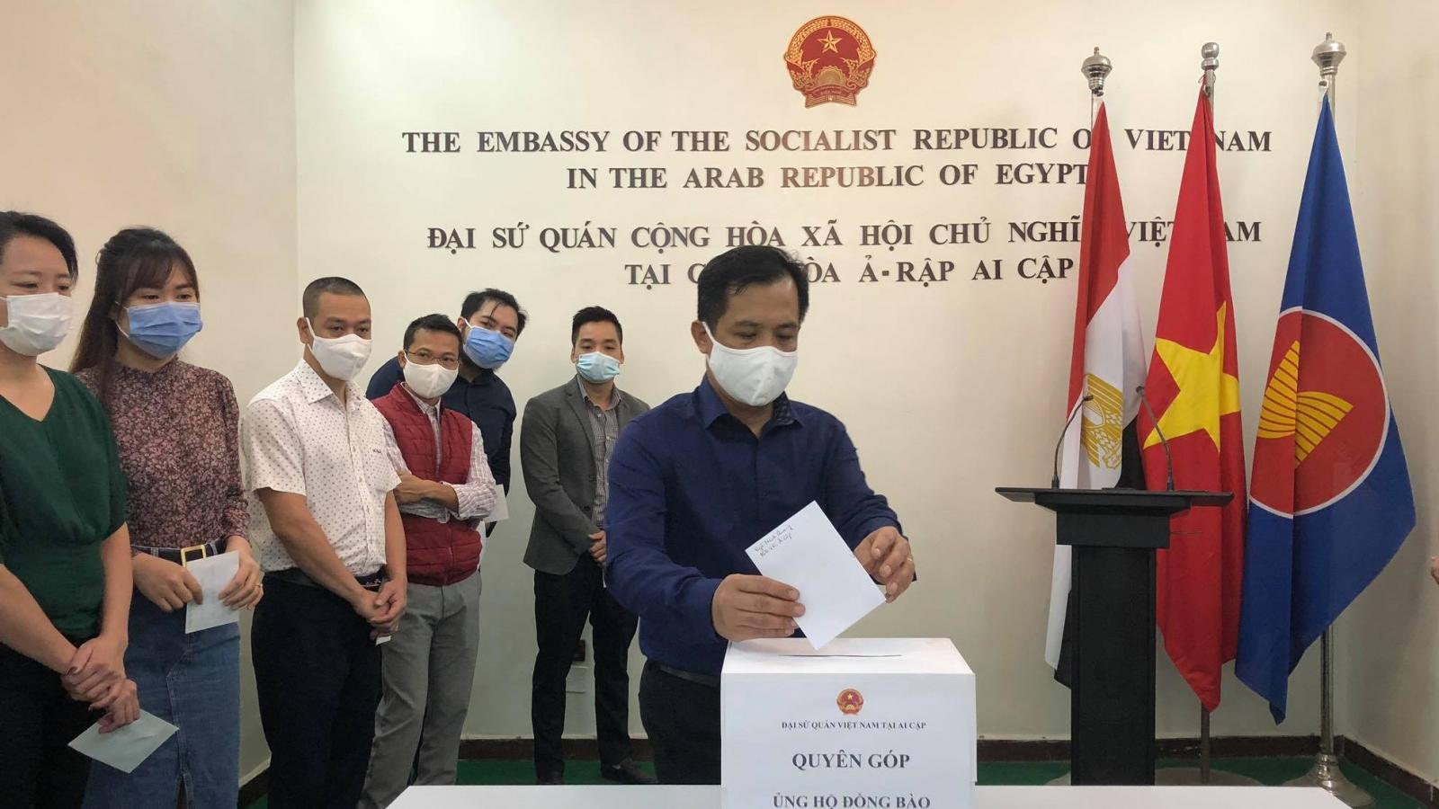 Sứ quán Việt Nam tại Ai Cập phát động quyên góp ủng hộ đồng bào miền Trung