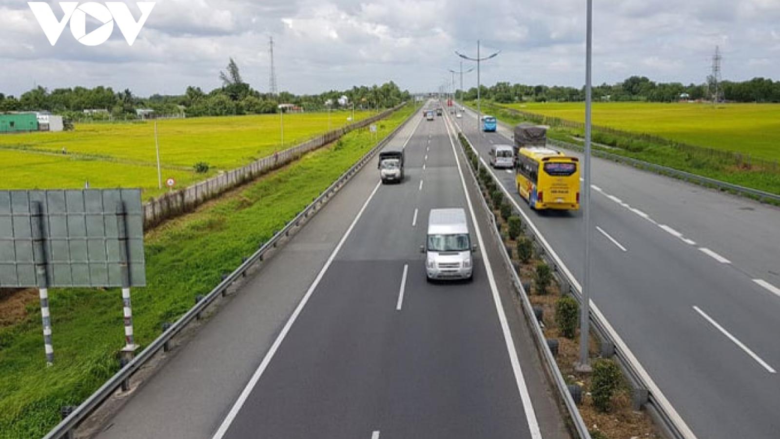 Dự thảo Luật Giao thông đường bộ sửa đổi: Có nên quy định về thu phí trên đường cao tốc?
