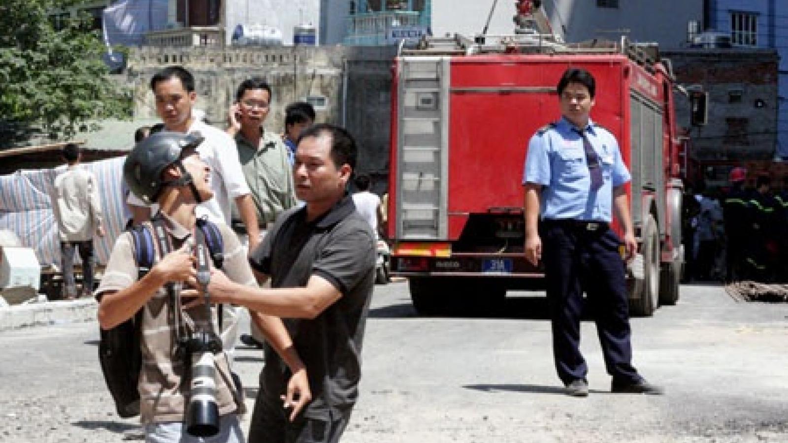 Từ 1/12: Phạt nặng hành vi cản trở, đe dọa tính mạng nhà báo