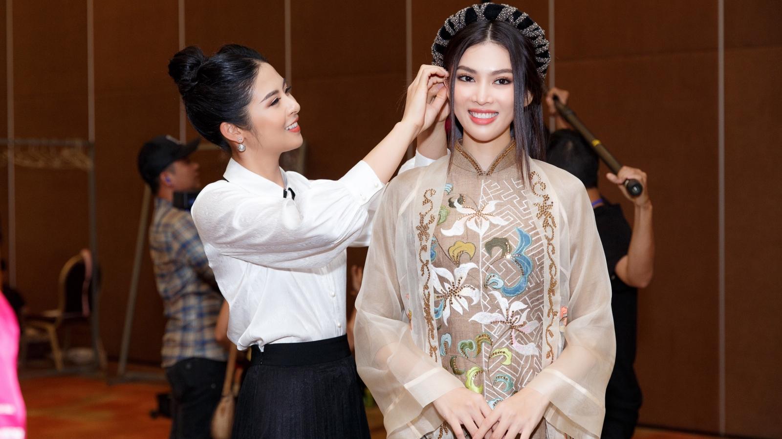 Ngọc Hân thiết kế áo dài hoa văn, hoạ tiết thời Lý–Trần tại chung kết HHVN 2020