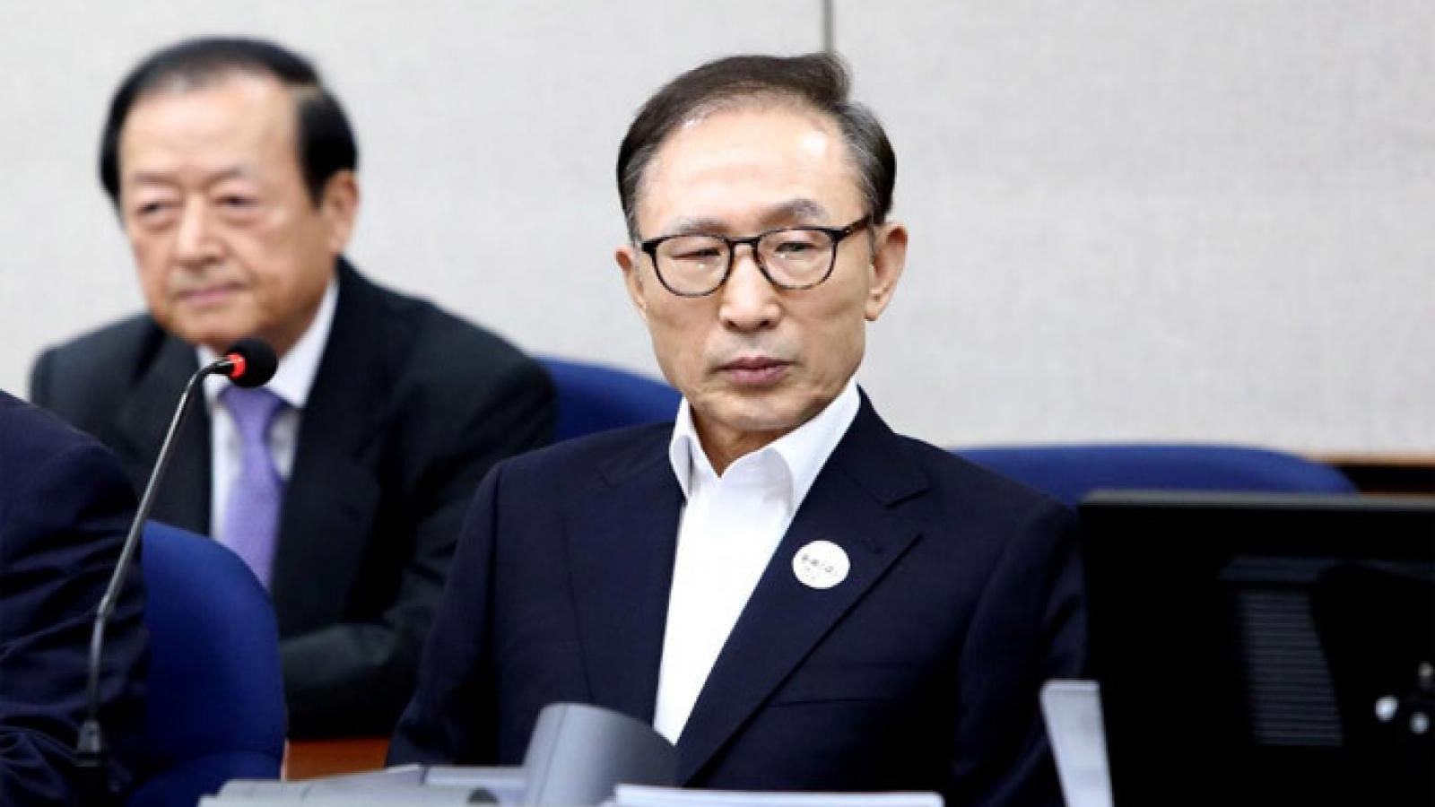 Cựu Tổng thống Hàn Quốc chấp hành phạt tù 17 năm