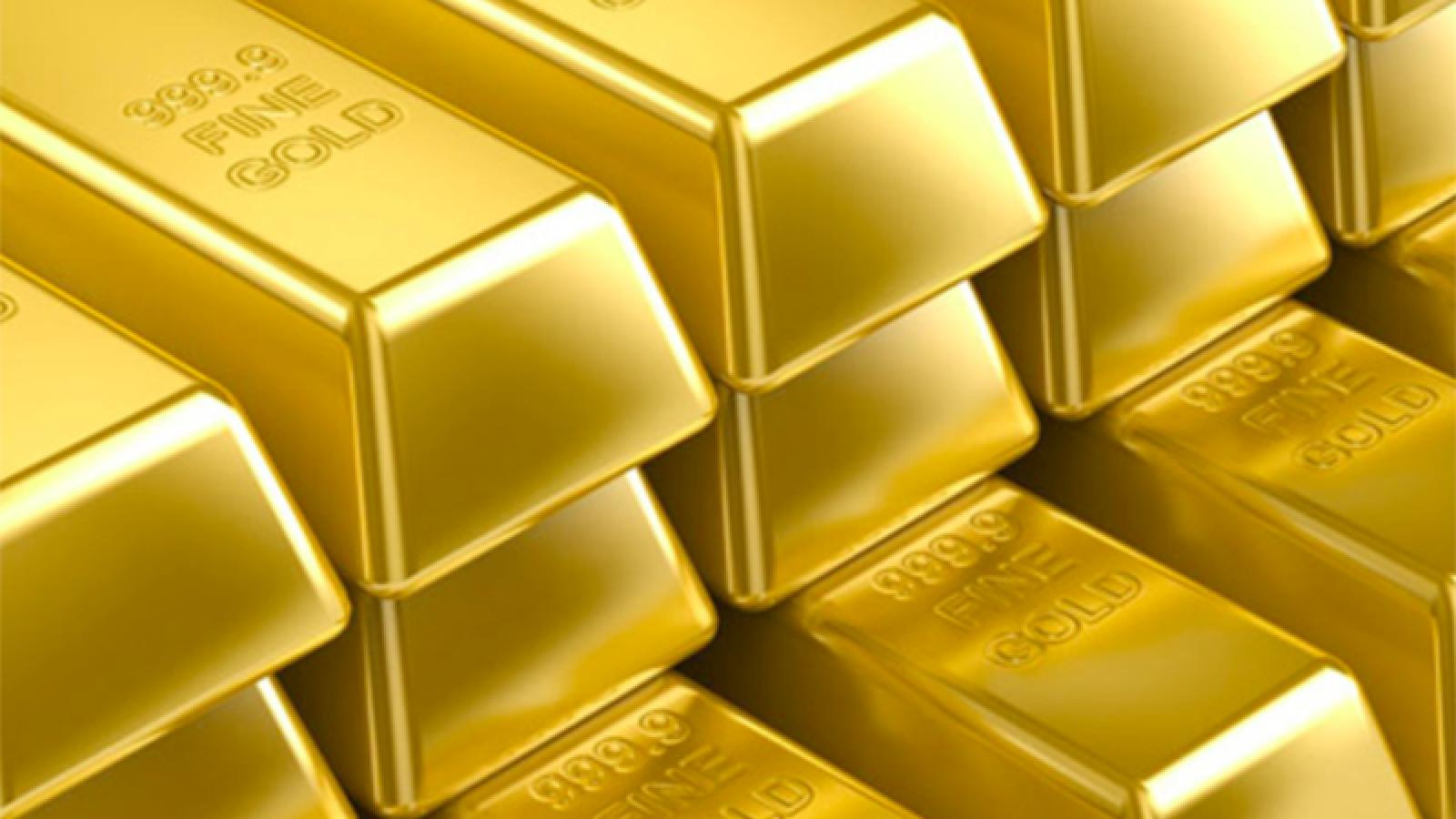 Giá vàng trong nước 'lội ngược dòng' với giá vàng thế giới