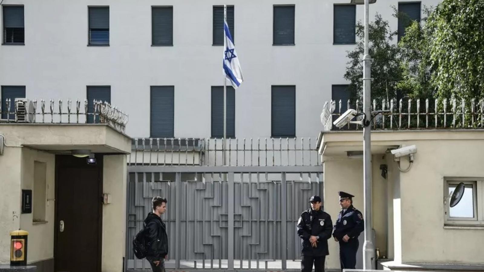 Cộng đồng Israel trên khắp thế giới cảnh giác cao độ sau vụ ám sát nhà khoa học Iran