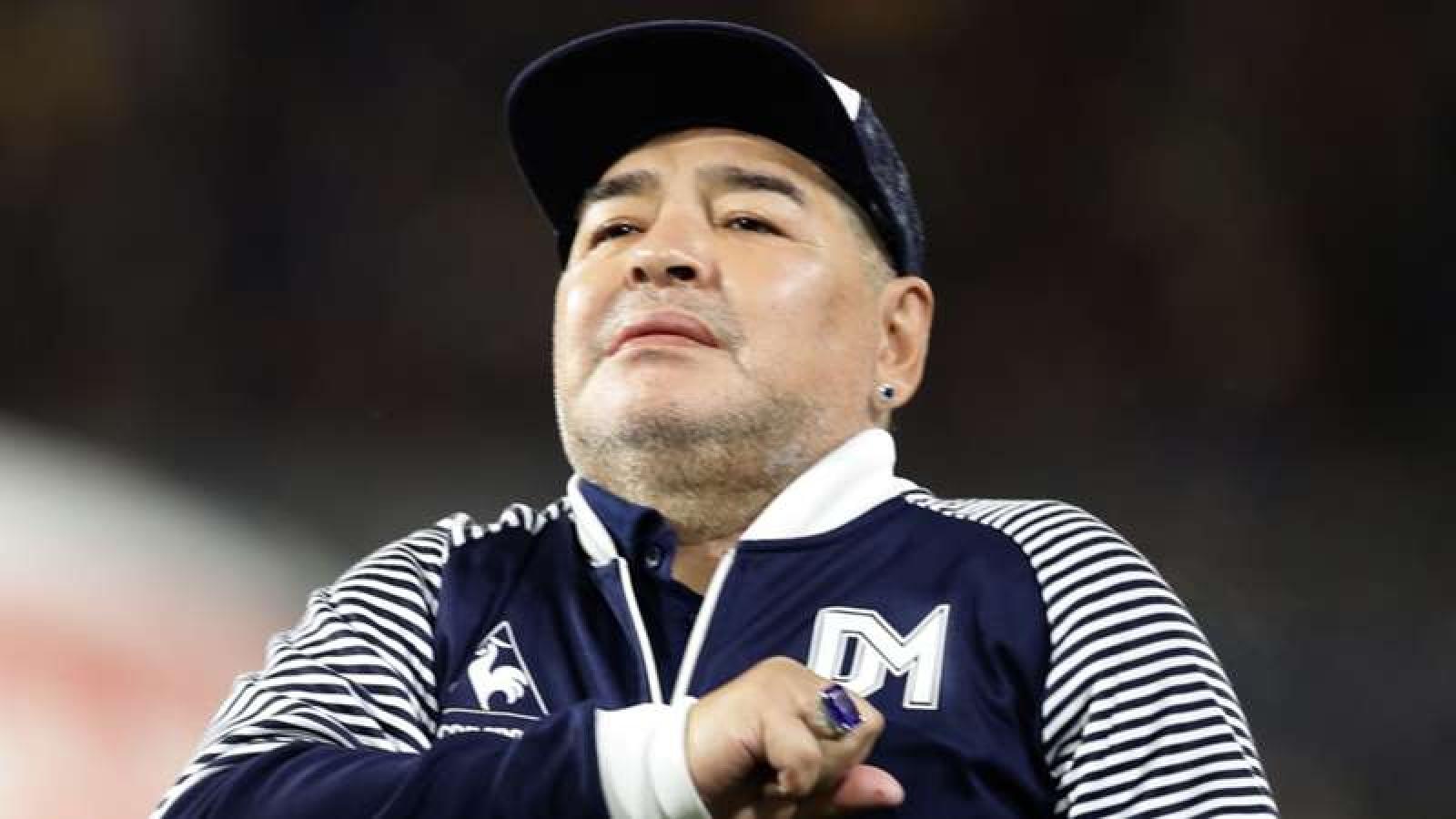 Huyền thoại bóng đá Maradona đột ngột qua đời ở tuổi 60