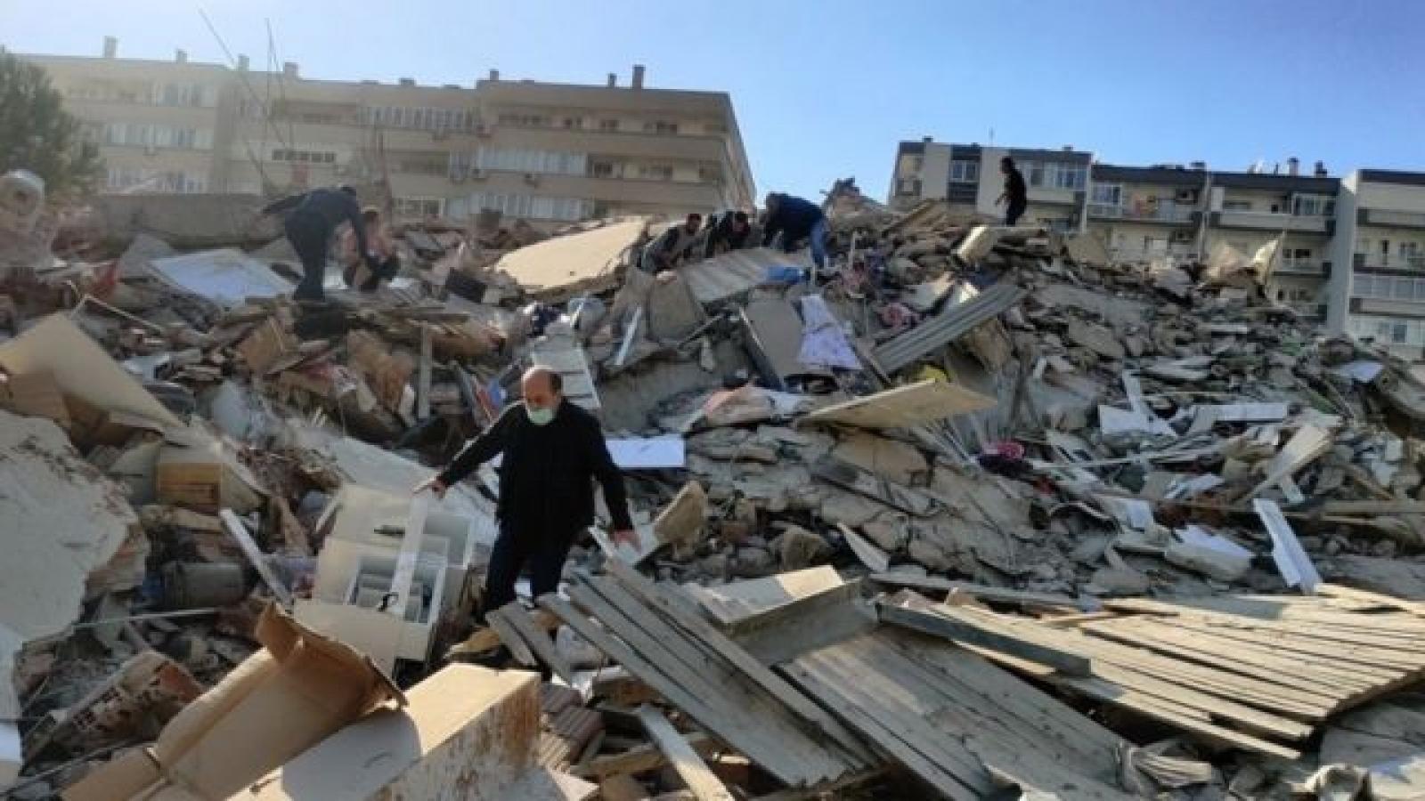 Động đất tại Thổ Nhĩ Kỳ: Hơn 900 người thương vong