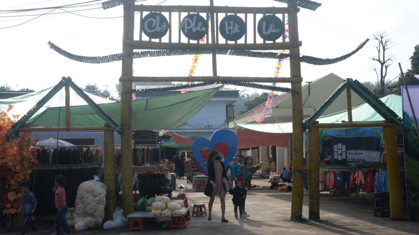 Đến Tiên Yên đi Chợ phiên Hà Lâu