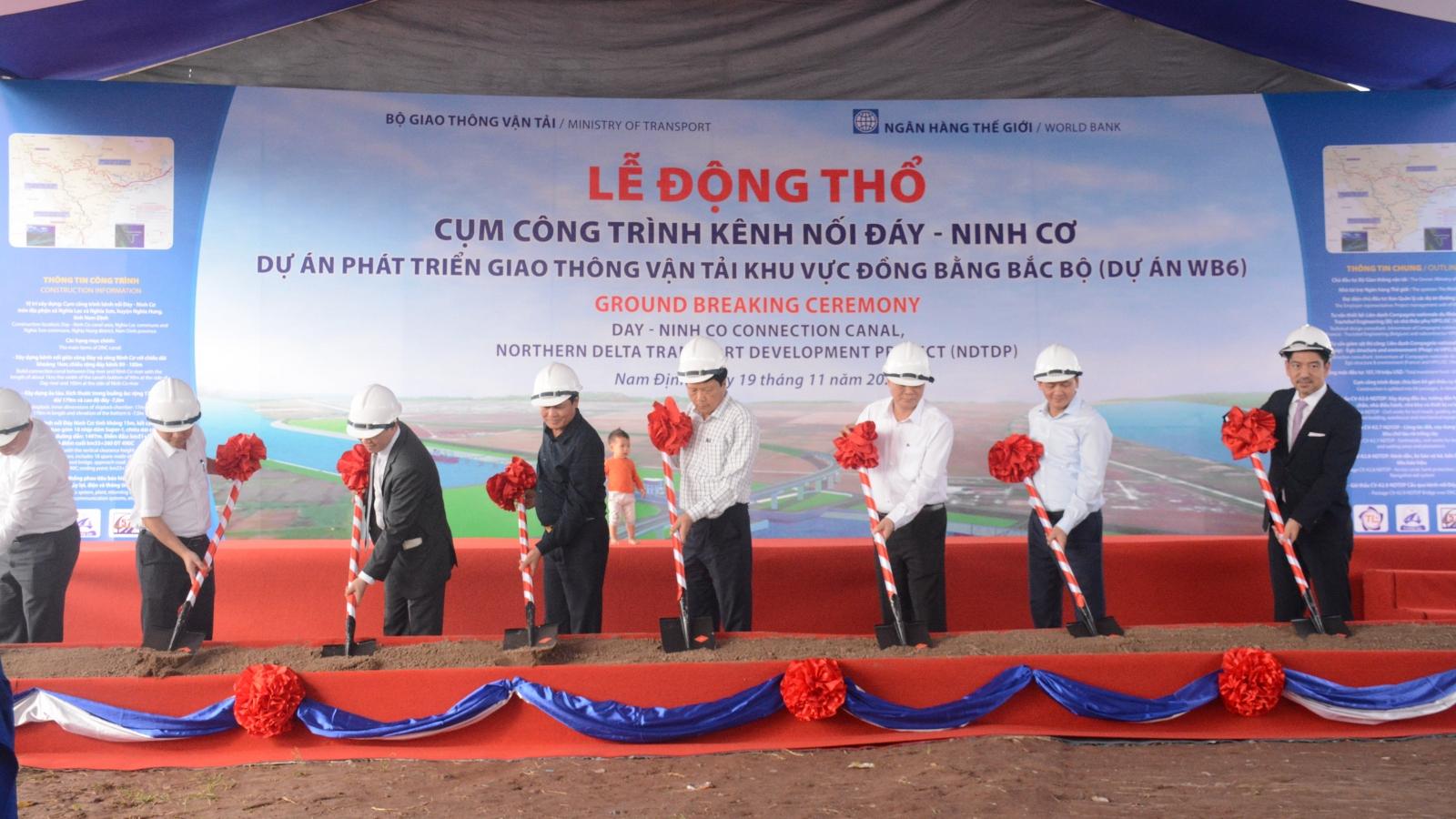 Động thổ xây dựng cụm công trình kênh nối Đáy - Ninh Cơ
