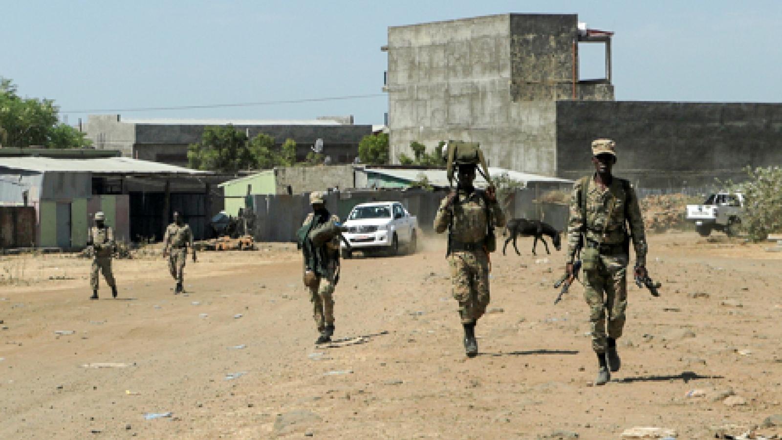 Hai sân bay ở Ethiopia bị tấn công bằng tên lửa