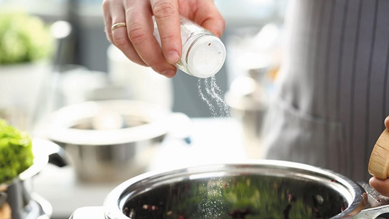 Những sai lầm khi dùng muối nấu ăn bạn cần biết