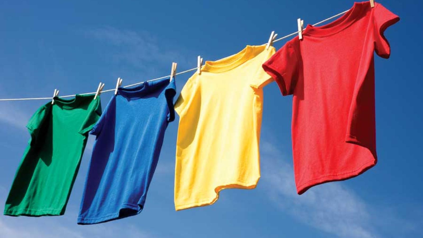 Làm thế nào giúp áo quần nhanh khô khi trời nồm ẩm ướt?