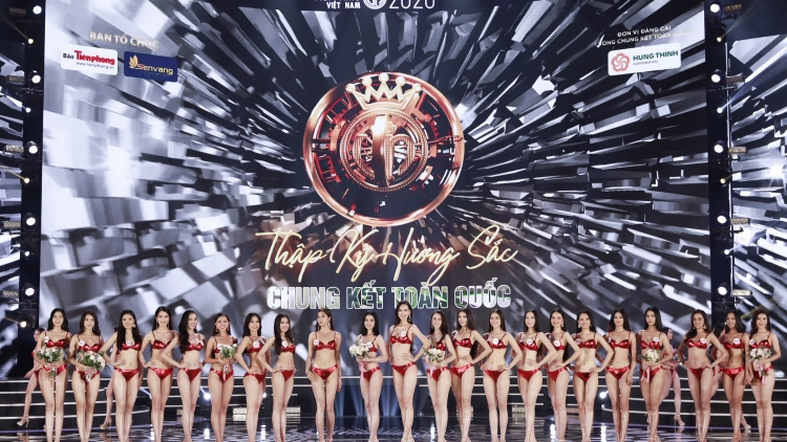 """Xem lại phần thi bikini """"nóng bỏng"""" của Top 22 Hoa hậu Việt Nam 2020"""