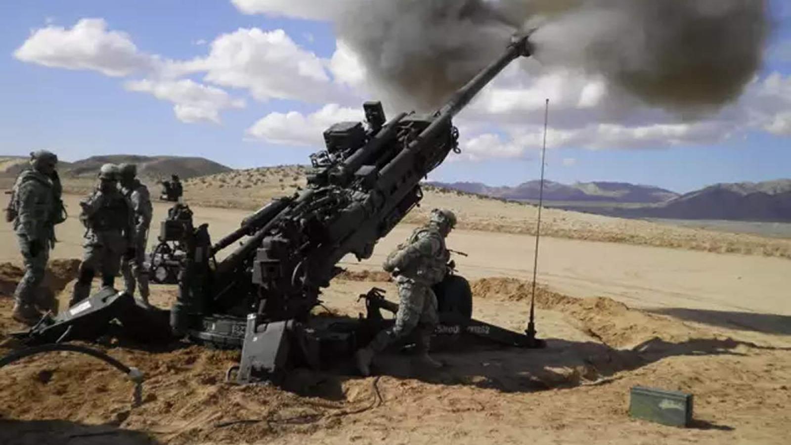 Siêu lựu pháo M-777 Howitzer của Mỹ dội mưa hỏa lực vào mục tiêu
