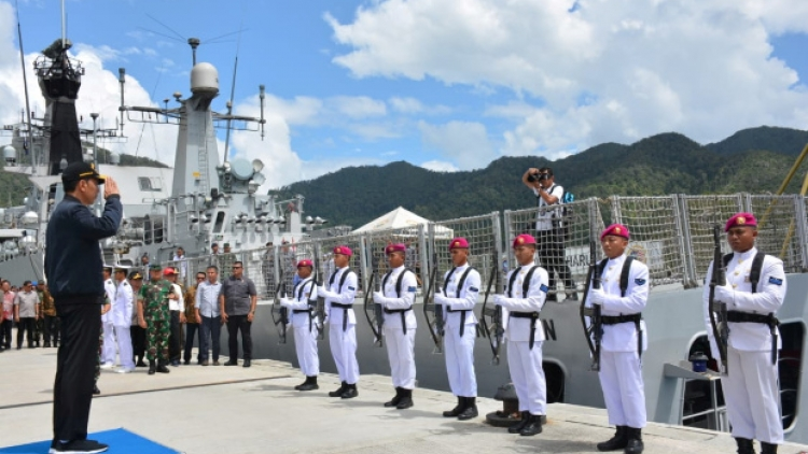 Indonesia chuyển cụm tác chiến đến Natuna đối phó căng thẳng Biển Đông