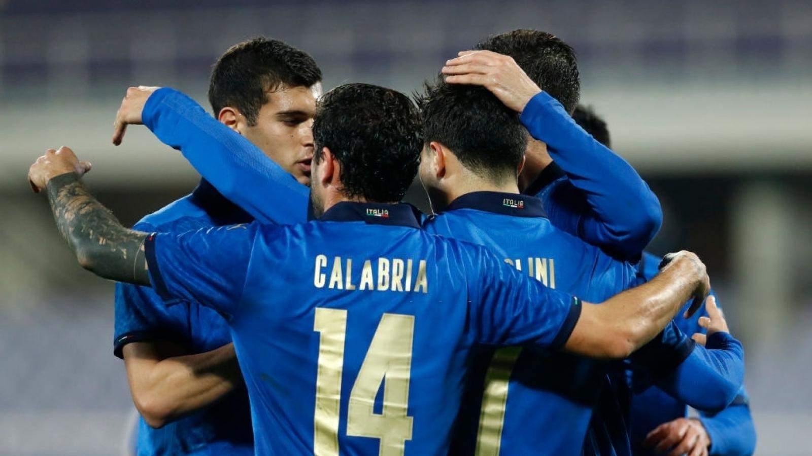 """""""Đè bẹp"""" Estonia, Italia nối dài mạch trận bất bại lên con số 20"""