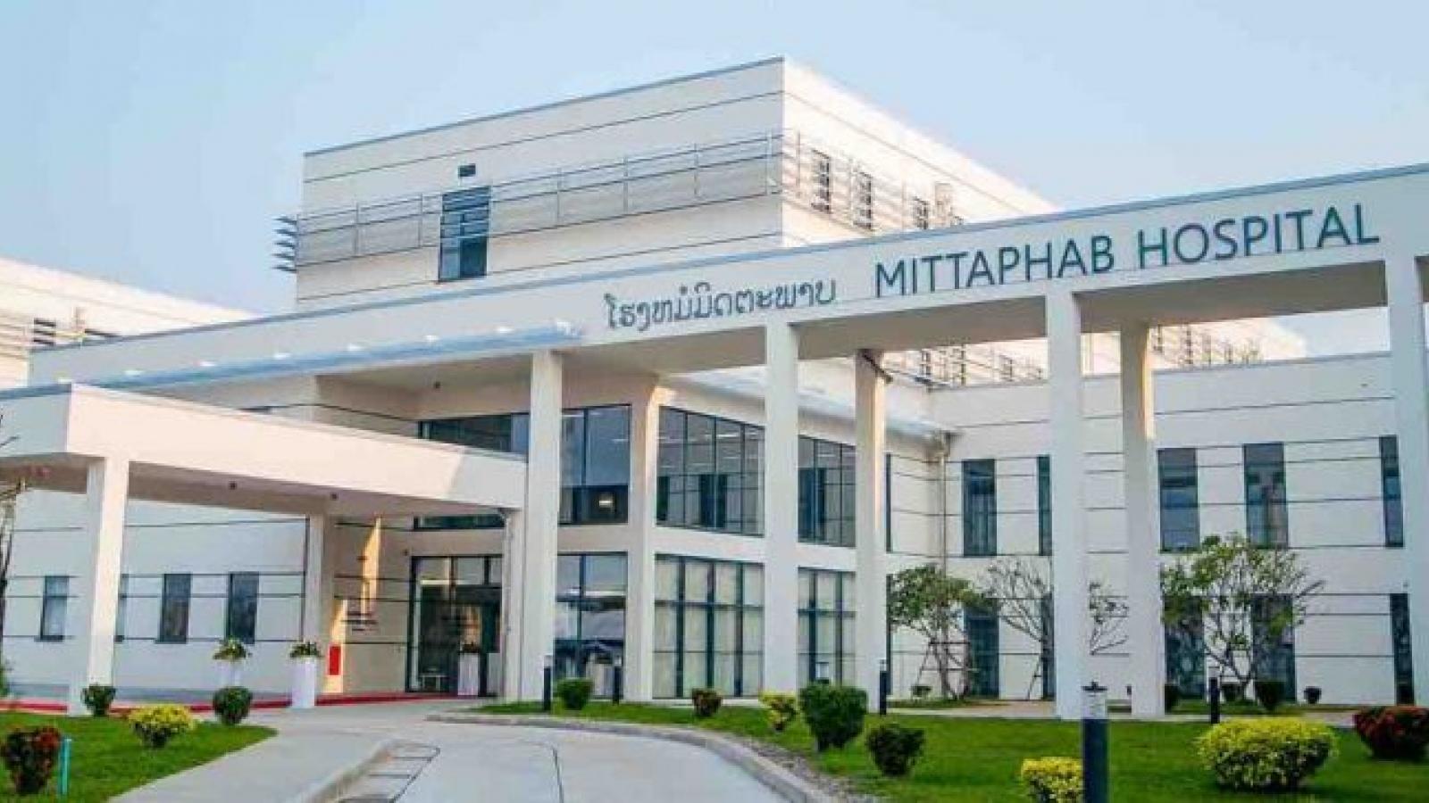 Luxembourg tài trợ thiết bị y tế giúp Lào chống dịch Covid-19