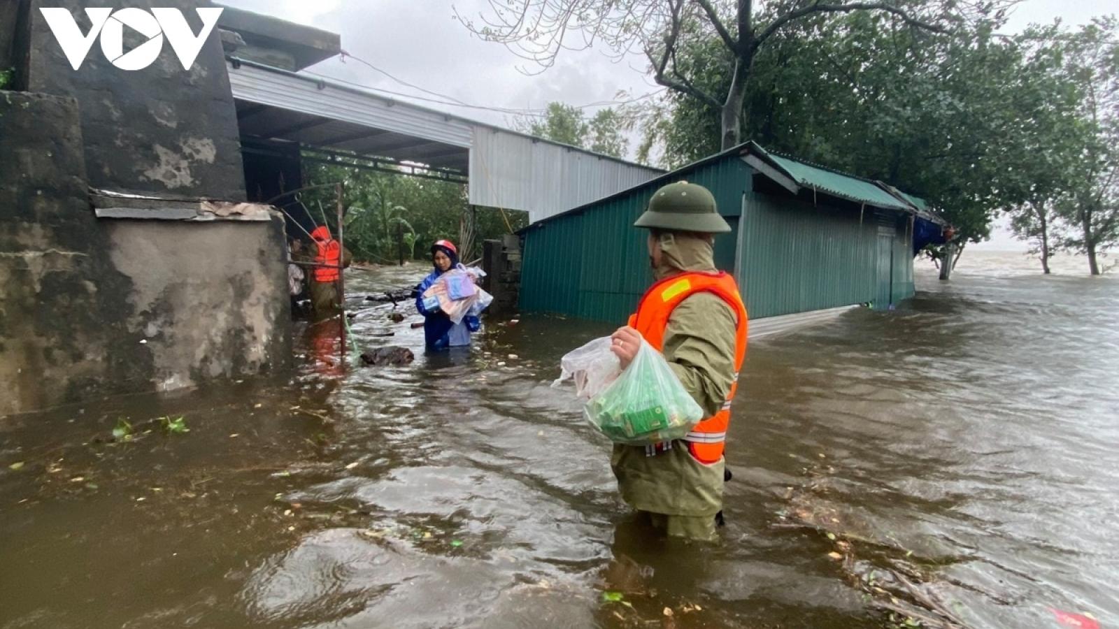 Chủ động ứng phó bão số 10 và tình hình mưa lũ phức tạp