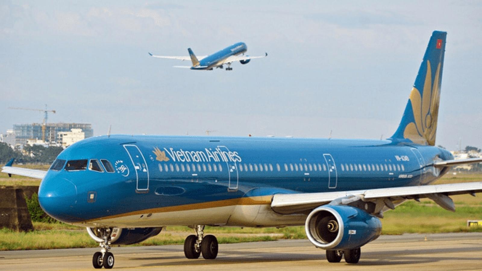 Nam hành khách bật lửa đốt giấy trên máy bay, chuyến bay phải quay đầu khẩn cấp