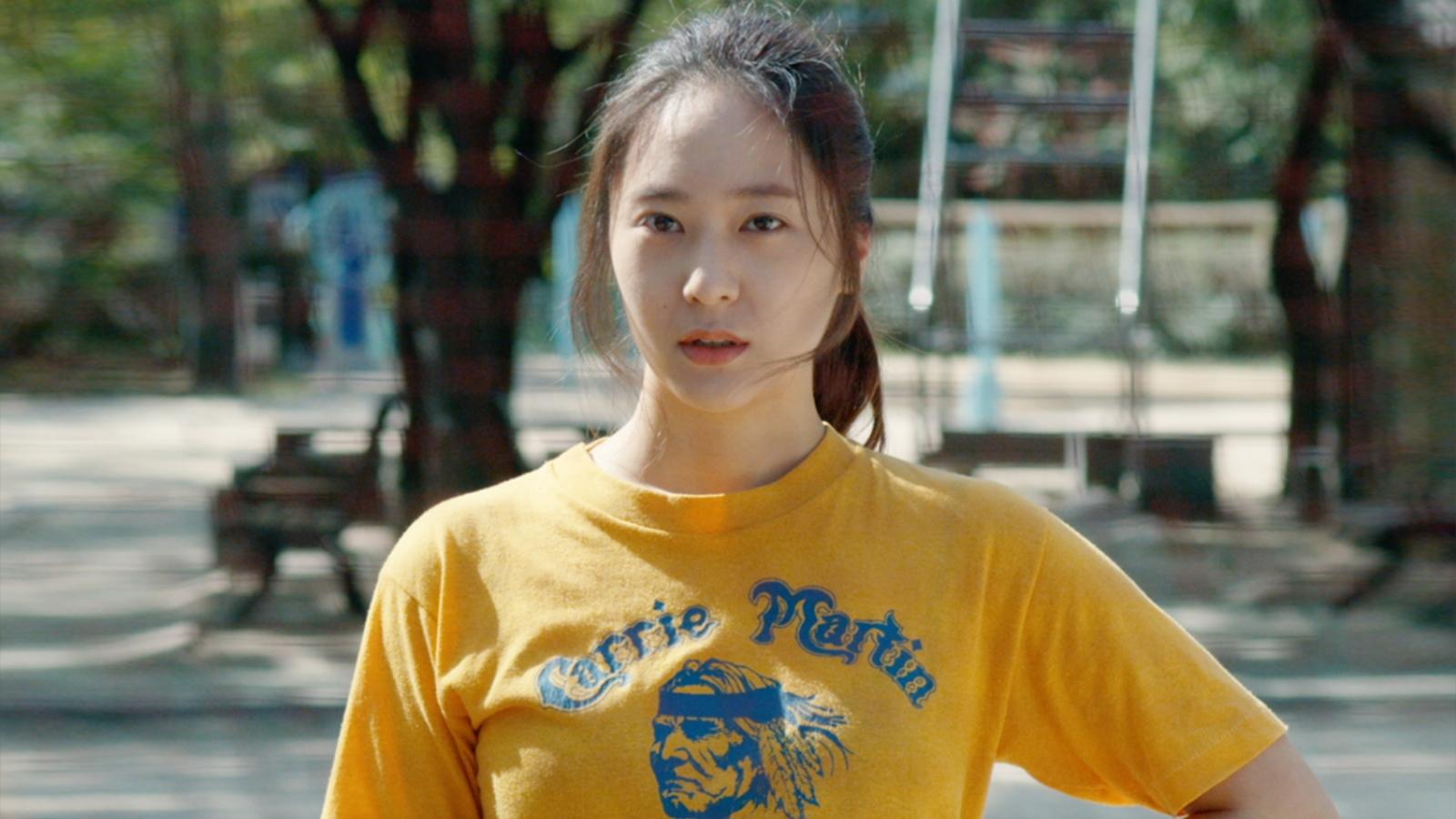 """""""Công chúa băng giá"""" Krystal Jung cưới chạy bầu trong phim điện ảnh """"Mẹ bầu siêu ngầu"""""""