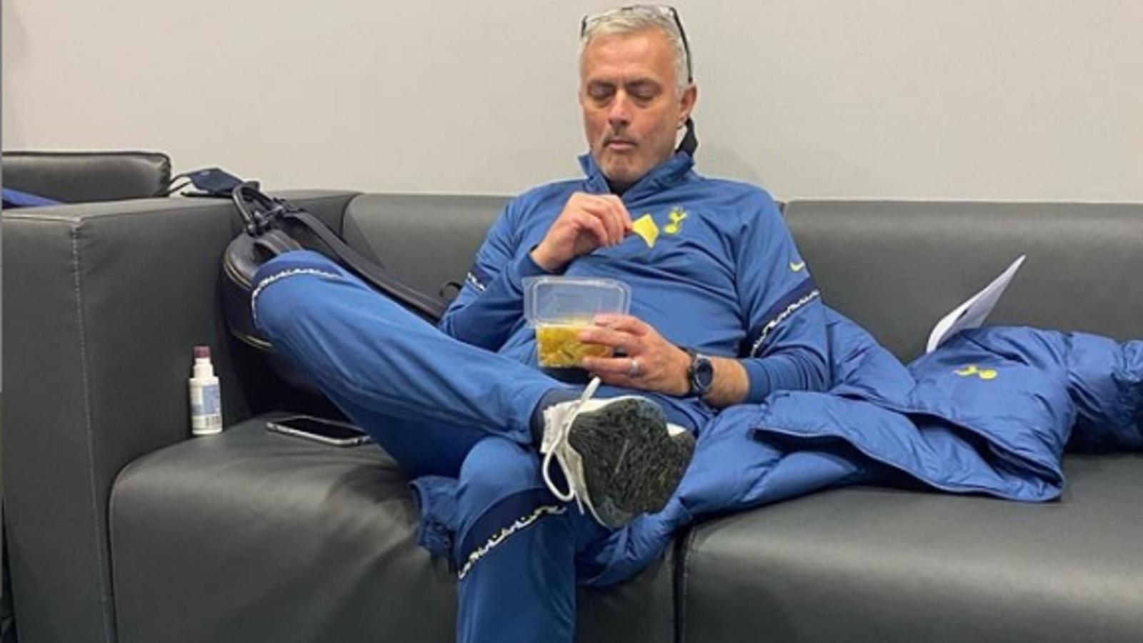 Mourinho khiến cư dân mạng bất ngờ sau chiến thắng của Tottenham