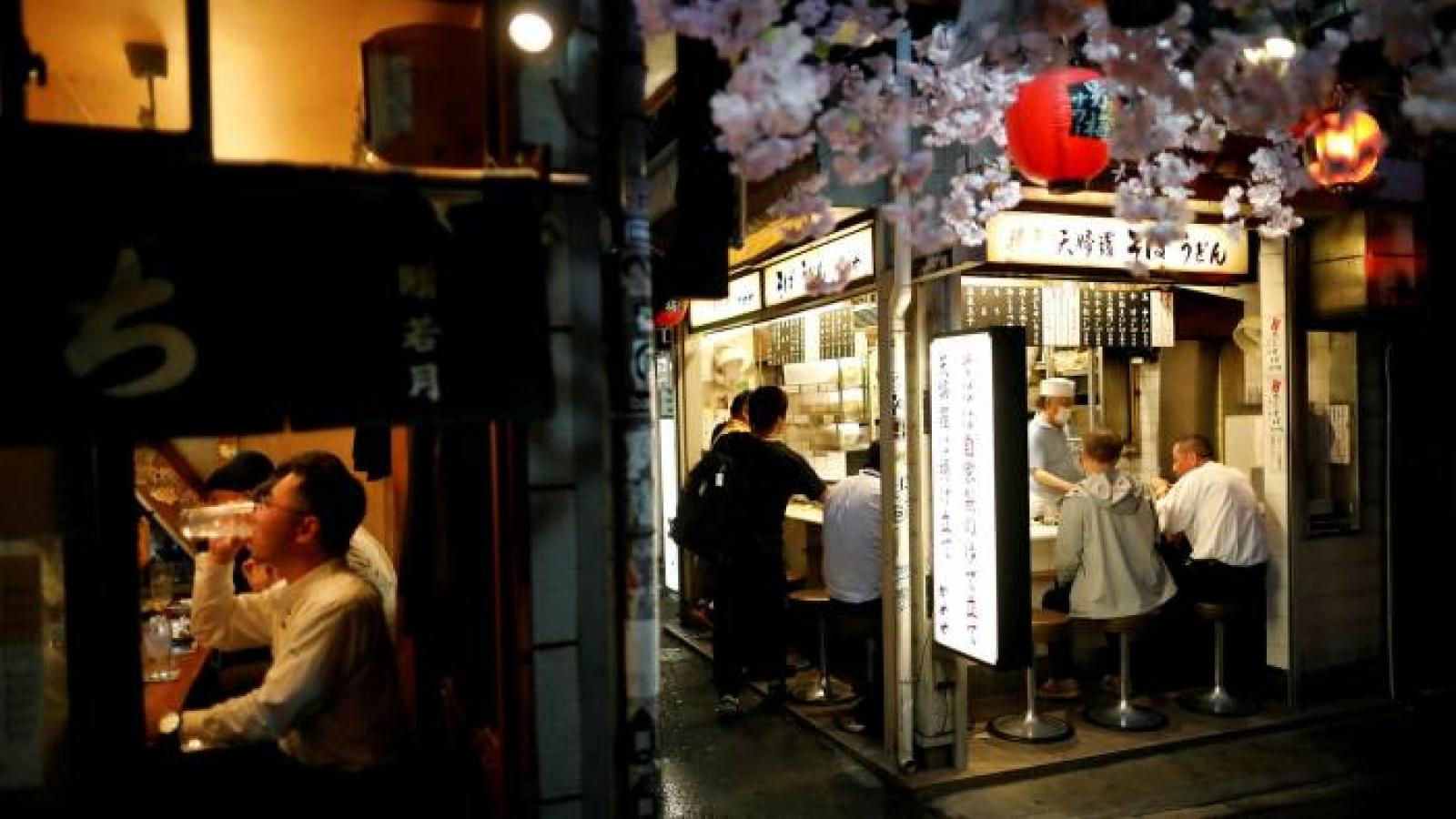 Tokyo (Nhật Bản) phải đóng cửa sớm các quán bar, nhà hàng do Covid-19